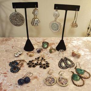 12 earrings & 5 rings lot stella & dot plus